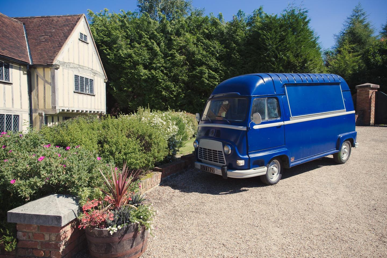 Esther - Vintage Van Bar
